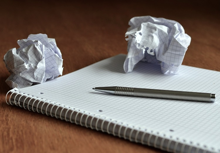 impresora recicla papel