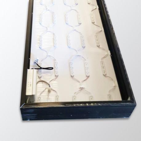 insegna luminosa a parete con plexiglas stampato