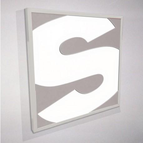 Insegna luminosa a parete con alluminio intagliato
