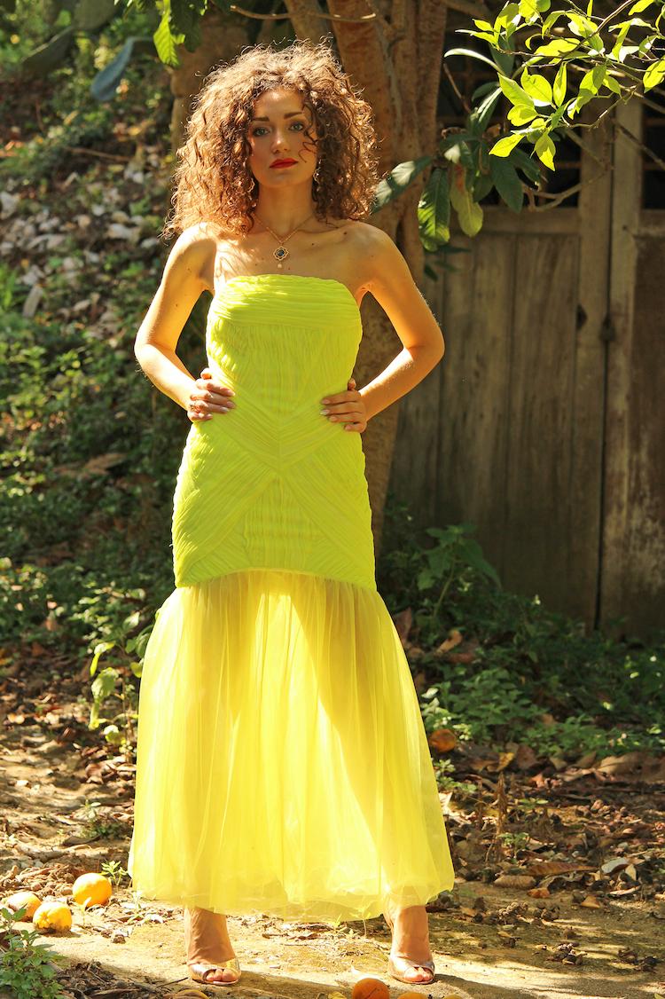 Chiara Angiolino intervista vestito giallo