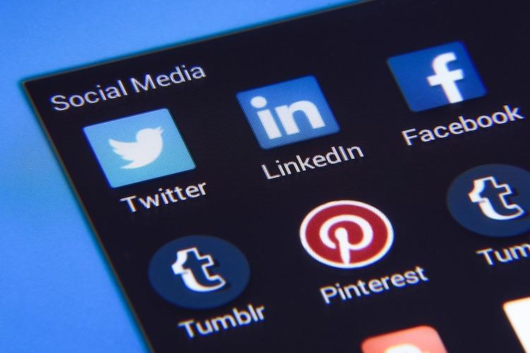 Microsoft achète LinkedIn : quelles perspectives pour ce réseau social? - Stampaprint Blog FR