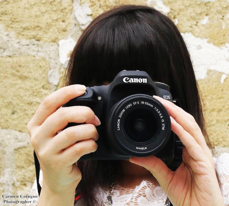 blogger Carmen Cotugno macchina fotografica