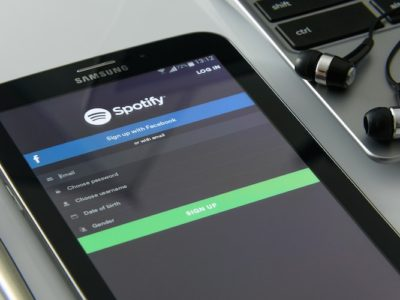 spotify pensa a brani solo utenti premium