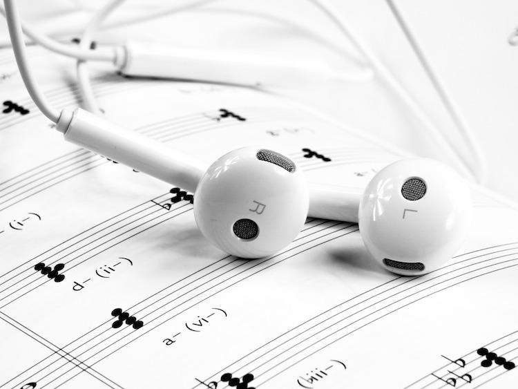 Spotify, accord avec Universal pour introduire des contenus musicaux réservés aux abonnées - Stampaprint Blog FR