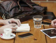 rapporto italiani con smartphone