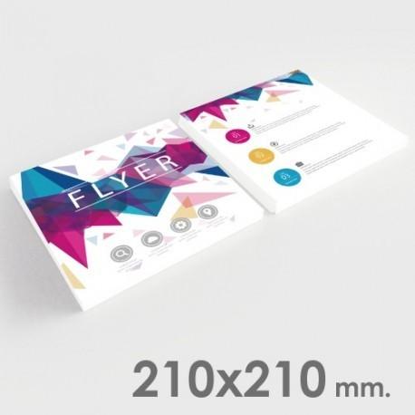 Volantini formato 210x210 mm.